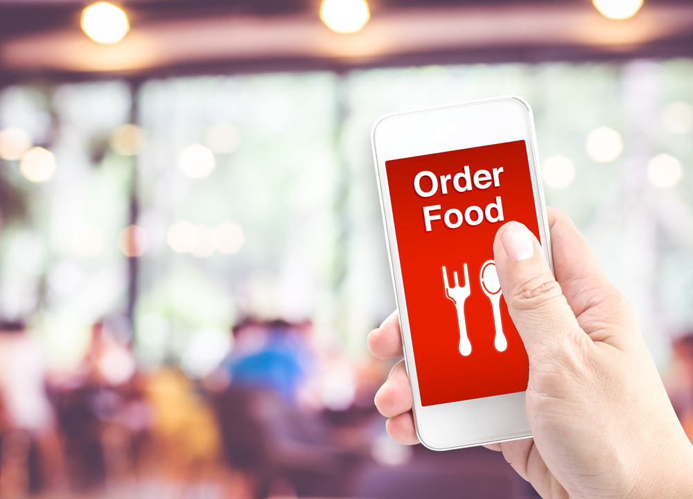 Why Your Restaurant Should Offer Mobile Food Ordering